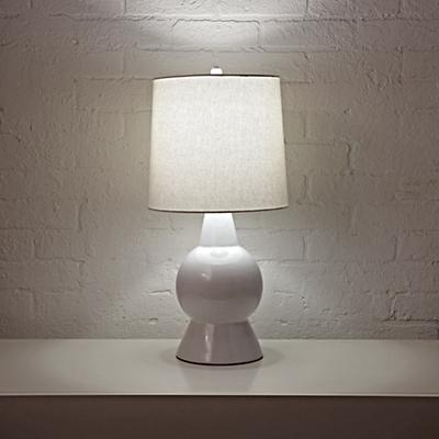 Table_Lamp_Ceramic_White_ON