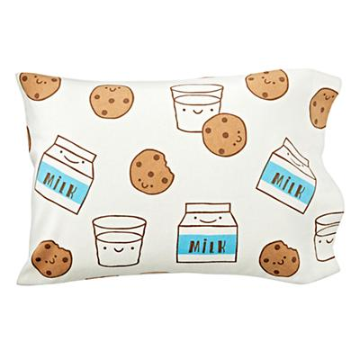 Toddler_Case_Milk_Cookies_Silo