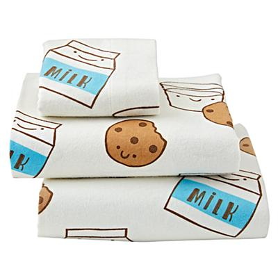 Toddler_Sheets_Milk_Cookies_Silo
