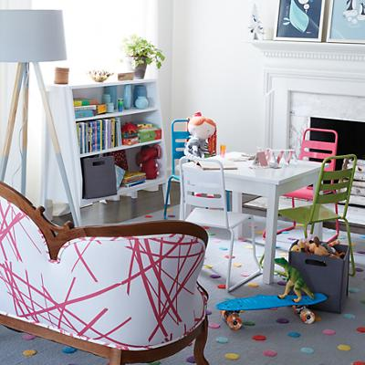 WH_AnywhereTable_HmRm_PlayChairs_1014