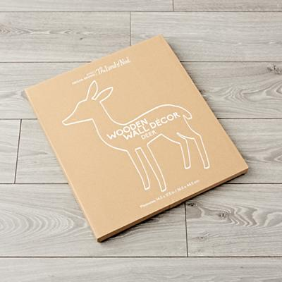 Wall_Hanging_Wooden_Deer_Packaging