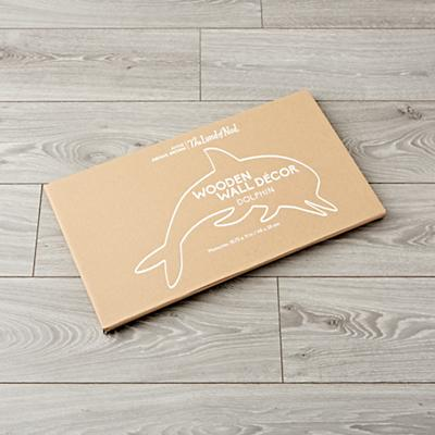 Wall_Hanging_Wooden_Dolphin_Packaging