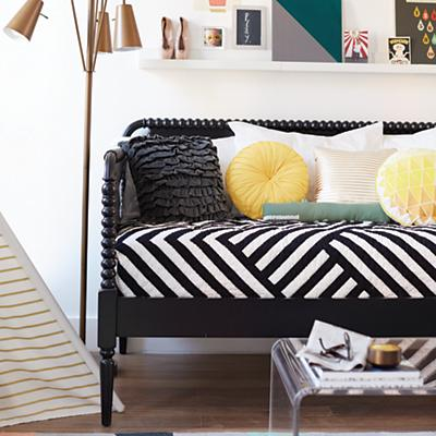 jenny_Lind_daybed_0115